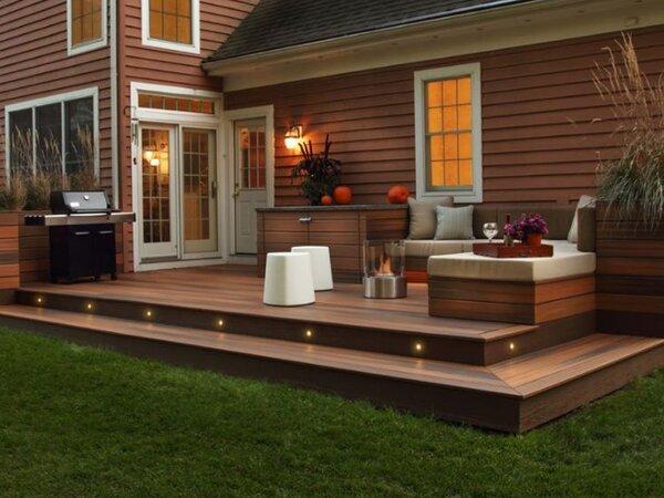 Smaller back deck with step lights